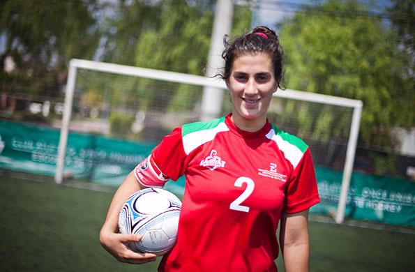 Agustina es de Paraná, Entre Ríos; tiene 16 años y juega al fútbol desde los nueve.