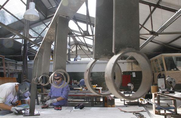 En el lugar trabajan más de 800 trabajadores, que integran 42 cooperativas.
