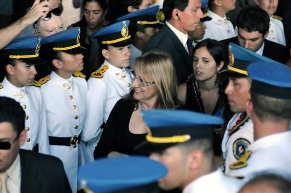 """La ministra Alicia Kirchner inauguró junto a la presidenta Cristina Fernández la División Cuartel XI de Bomberos """"Albariños"""""""