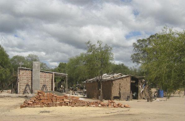 Para construir las casas se capacitó a 90 cooperativistas.