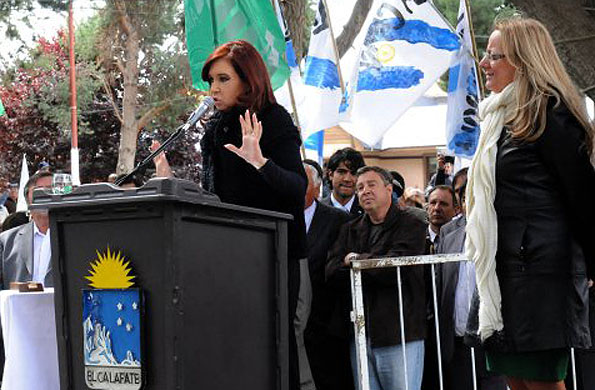 La Presidenta Cristina Fernández conmemorando el 136° Aniversario del Bautismo de Lago Argentino.