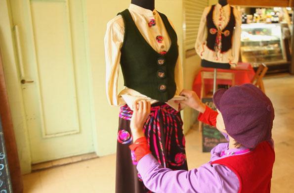Todas las prendas se destacan por su calidad y trabajo artesanal.