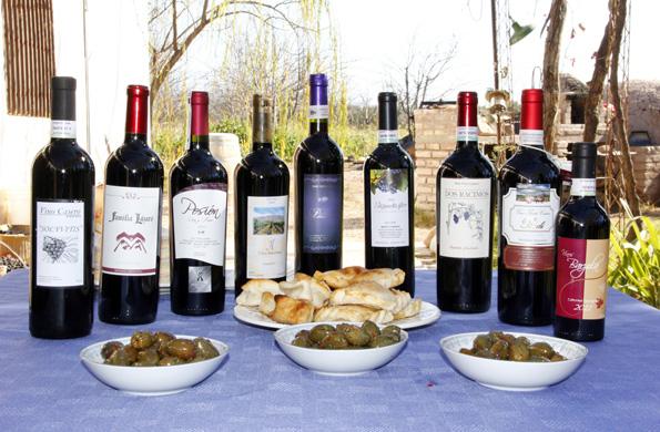 Integrantes de la Asociación de Vinos Caseros de Maipú.