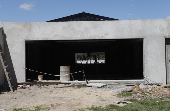 Se construyeron dos sectores de baños con proveeduría y cafetería.