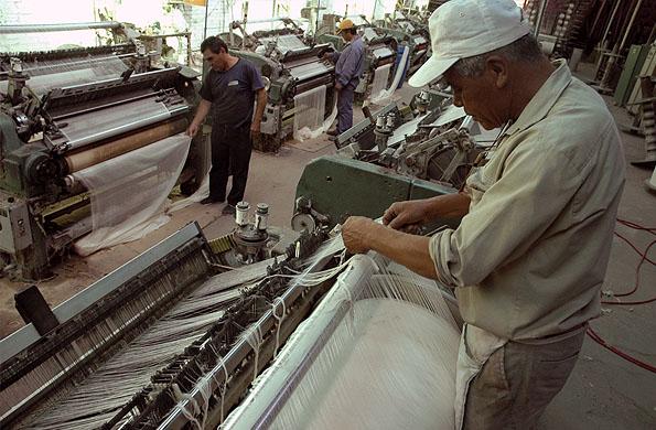 Los trabajadores permanecieron en el mercado textil desde que recuperaron la fábrica en 1992.