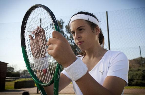 Antonella nació en Rafael Castillo, provincia de Buenos Aires. Comenzó a practicar tenis en 2011.
