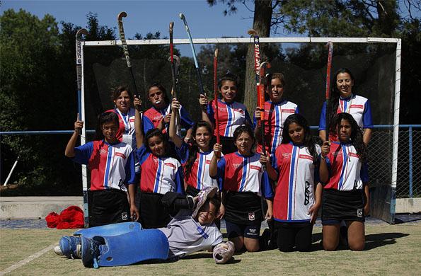 El equipo de Hockey femenino sub 14 de Córdoba en el Club Universitario.