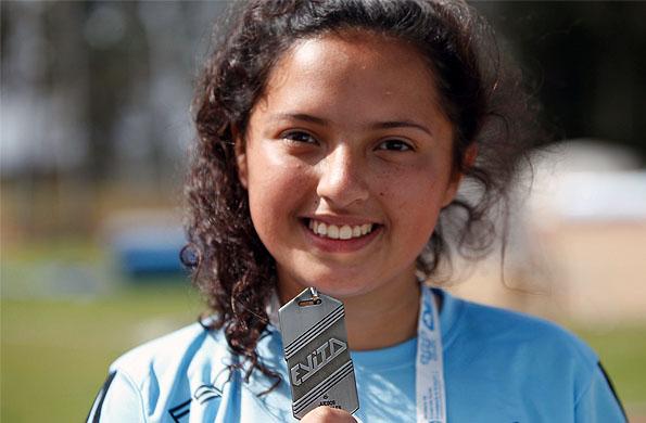 Fátima logró dos medallas de oro en natación para personas con discapacidad.