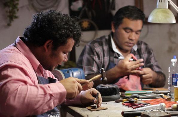 Muspay es un emprendimiento de la economía social que comercializa productos en la Feria Navideña.