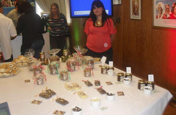 Don Rocha Sabores Platenses se dedica a elaborar encurtidos, dulces y especias.