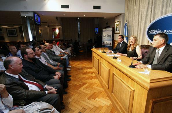 El encuentro fue para coordinar tareas conjuntas de cara a los próximos Juegos Nacionales Evita 2014
