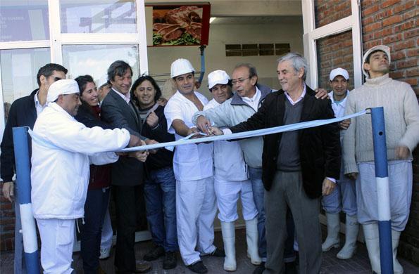 """La Cooperativa """"Recuperar"""" de la Ciudad de Mar del Plata, luego de tres años, inauguró su local."""