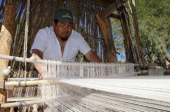 Elio Choque, uno de los artesanos de Seclantás en la provincia de Salta.