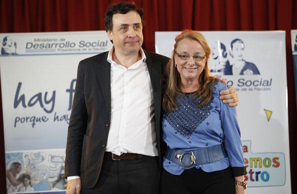 La ministra de Desarrollo Social, junto con Martín Bonavetti.