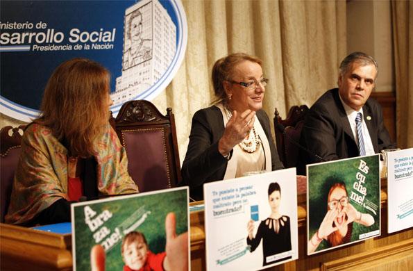 La campaña invita a juntar firmas para que la palabra buentrato se incorpore a nuestra lengua.