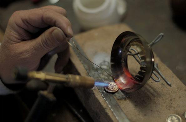 Las piezas de Artesanías San Juan se distinguen por su calidad y diseño.