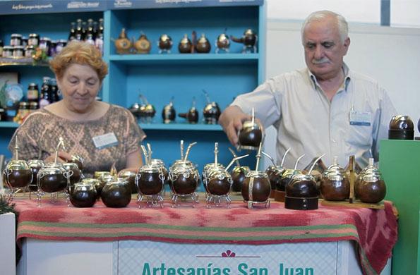 Actualmente exhiben y comercializan sus productos de la economía social en ferias y eventos.