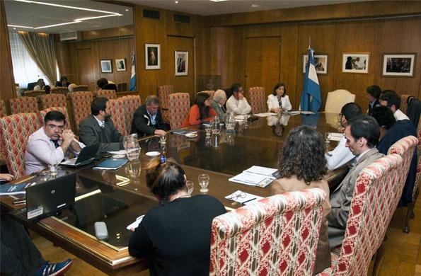 La ministra Alicia Kirchner preside este grupo de trabajo.