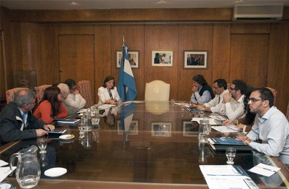 Este comité está integrado por representantes destacados en el abordaje de políticas sociales.