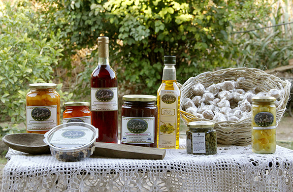 Se producen cada temporada un promedio de 20 mil frascos de dulces, mermeladas, conservas y aceites.