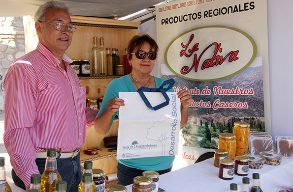 Elvira y Jorge Díaz son una pareja de productores de Sanagasta, en La Rioja.