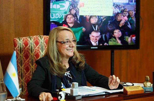 La ministra de Desarrollo Social, Alicia Kirchner, durante la videoconferencia.