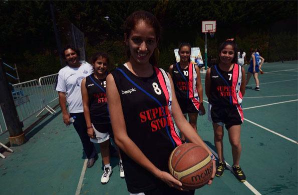 María Jesús Lozano integra el equipo Sub 16 de básquetbol 3x3 de Añatuya.