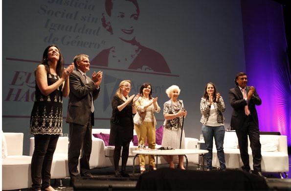 Alicia Kirchner junto a Susana Trimarco y Estela de Carlotto.