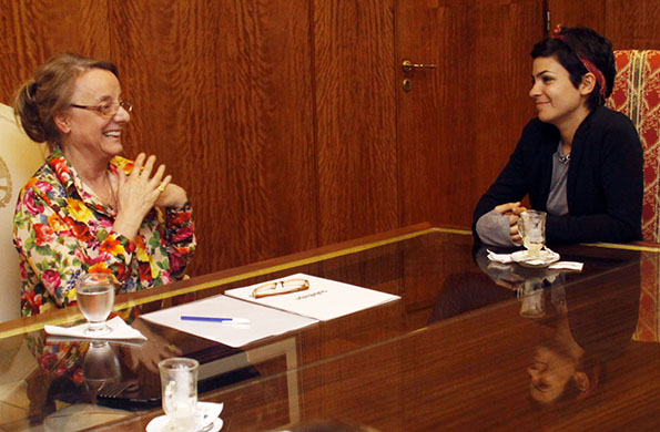En el marco del estreno de Historias de género, Alicia Kirchner recibió a Agustina Cherri.