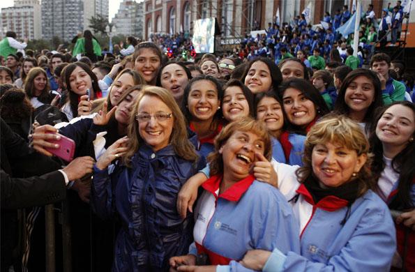 Más de 15 mil jóvenes y adultos mayores de todo el país disfrutaron del comienzo de las actividades.