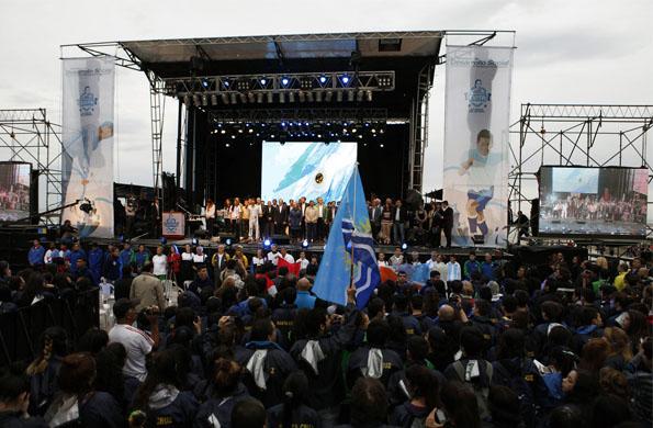 El evento incluyó música en vivo de las bandas Choque Urbano, Los Totora y Sinfonía Popular.