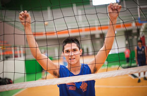 Gonzalo López es un deportista que compite en vóleibol en los Juegos Nacionales Evita.
