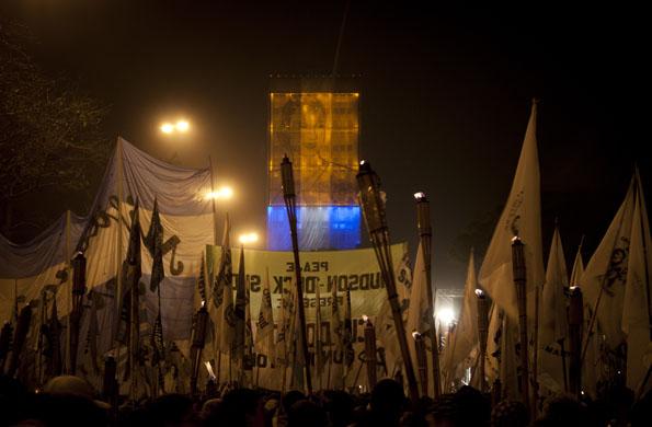Marcha de antorchas de organizaciones sociales, gremiales y militantes