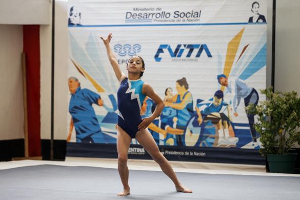 Esta talentosa gimnasta sueña con representar al país en alguna competencia internacional.