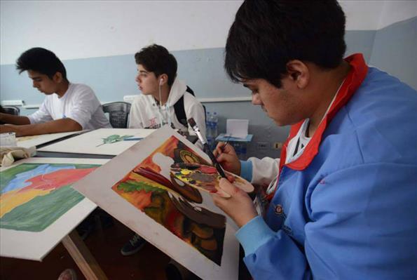 Estas actividades sirven para que los jóvenes puedan compartir experiencias con sus pares.