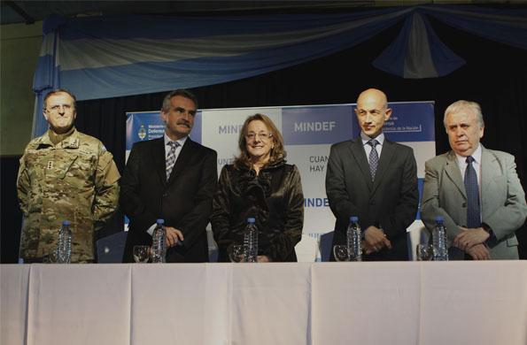 Alicia Kirchner anunció la realización del hospital Materno Infantil.