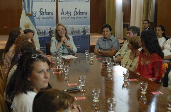 Alicia Kirchner destacó el compromiso de las mujeres de Ellas Hacen.