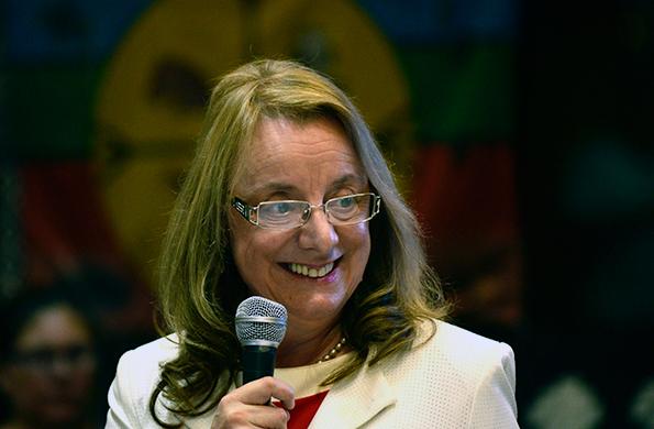 """""""Les prometo seguir trabajando y reformulando utopías"""" dijo Alicia Kirchner."""
