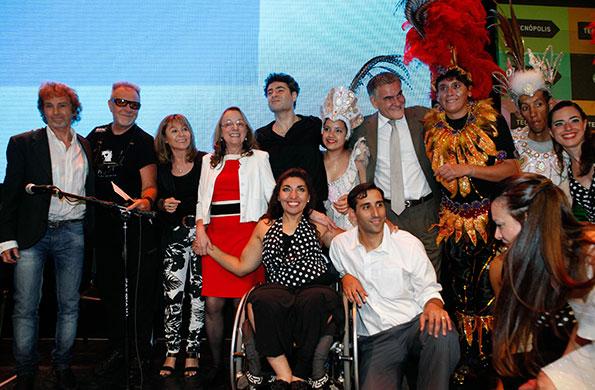 Participaron Iñaki Urlezaga y el cuerpo de Danza por la Inclusión, León Gieco y Raúl Porchetto.