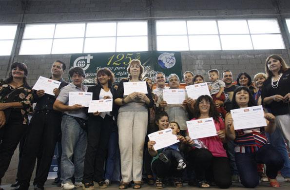 El título del Plan FinEs es oficial y está certificado por el nivel de Educación de Adultos.