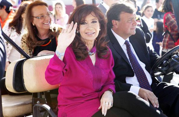 La Presidenta y Alicia Kirchner también inauguraron un Anfiteatro en esa ciudad.