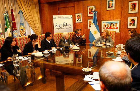 El encuentro tuvo lugar esta tarde en la sede de la cartera social.