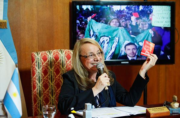 """Durante la actividad, se destacó la campaña """"Sacá Tarjeta Roja al Maltratador""""."""