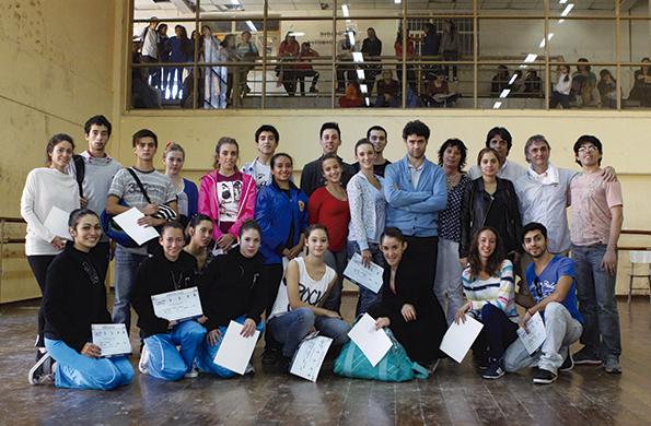 El bailarín Iñaki Urlezaga brindó una clínica de danza en el lugar.