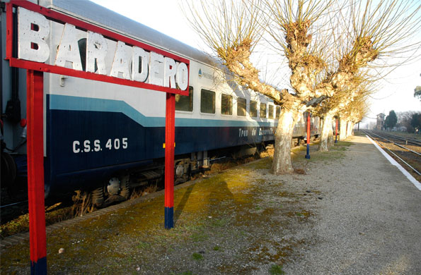 El tren ofrece atención en clínica médica, oftalmología, ginecología, obstetricia, nutrición.
