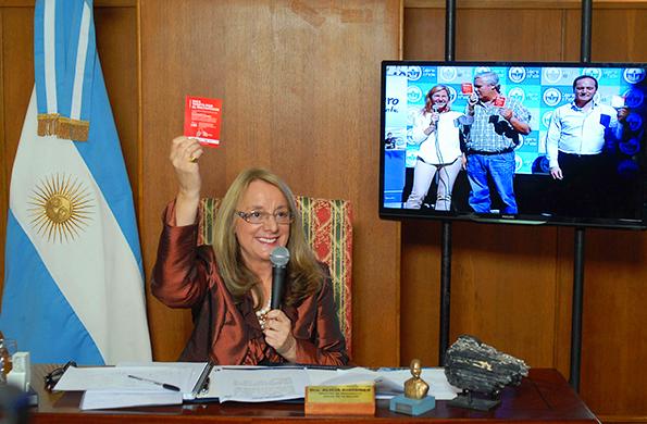 La ministra de Desarrollo Social también se sumó a la campaña del Consejo de Mujeres.