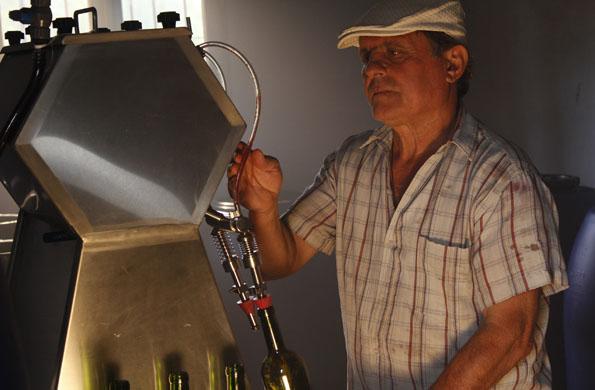 permite a pequeños productores de Mendoza comercializar sus productos en todo el país.
