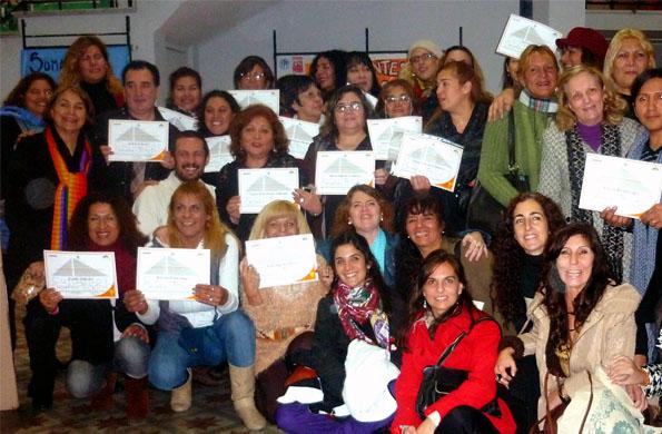 Se entregó certificados a 25 participantes del Curso de Formación de Cuidadores Domiciliarios.