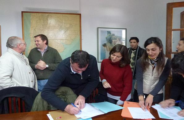 Los 23 microcréditos fueron entregados en la localidad de San Jerónimo Sud en Santa Fe.