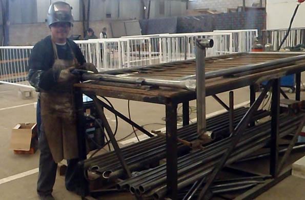 Los cooperativistas asistieron a talleres en soldadura, pintura, uso de maquinaria pesada y liviana.